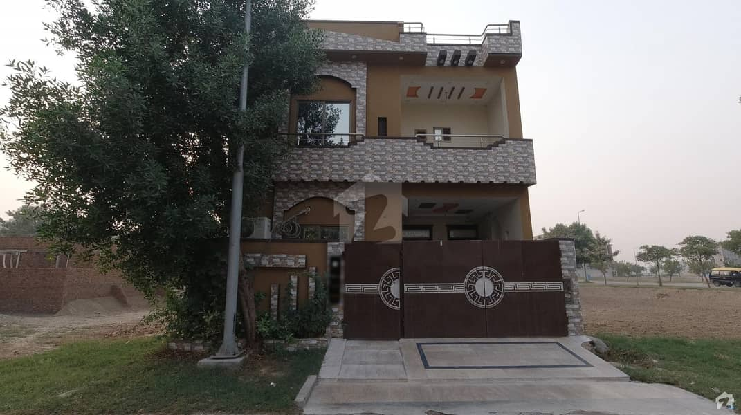 پارک ویو ولاز - ٹیولپ بلاک پارک ویو ولاز لاہور میں 3 کمروں کا 5 مرلہ مکان 1 کروڑ میں برائے فروخت۔