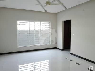 10 Marla House Up For Sale In D-12