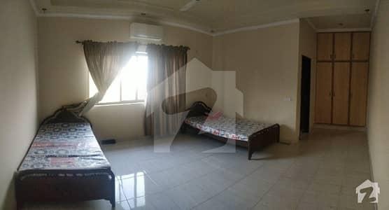 سوئی گیس سوسائٹی فیز 1 - بلاک بی سوئی گیس سوسائٹی فیز 1 سوئی گیس ہاؤسنگ سوسائٹی لاہور میں 3 کمروں کا 1 کنال کمرہ 26 ہزار میں کرایہ پر دستیاب ہے۔