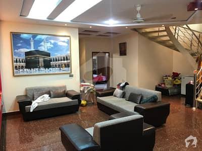 جوہر ٹاؤن فیز 2 جوہر ٹاؤن لاہور میں 5 کمروں کا 1 کنال مکان 5.5 کروڑ میں برائے فروخت۔