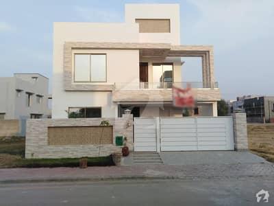 بحریہ ٹاؤن - طلحہ بلاک بحریہ ٹاؤن سیکٹر ای بحریہ ٹاؤن لاہور میں 5 کمروں کا 10 مرلہ مکان 1.75 کروڑ میں برائے فروخت۔