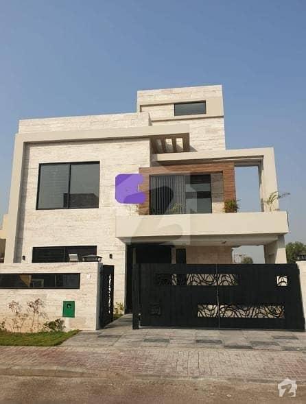بحریہ ٹاؤن - طلحہ بلاک بحریہ ٹاؤن سیکٹر ای بحریہ ٹاؤن لاہور میں 5 کمروں کا 10 مرلہ مکان 2.4 کروڑ میں برائے فروخت۔