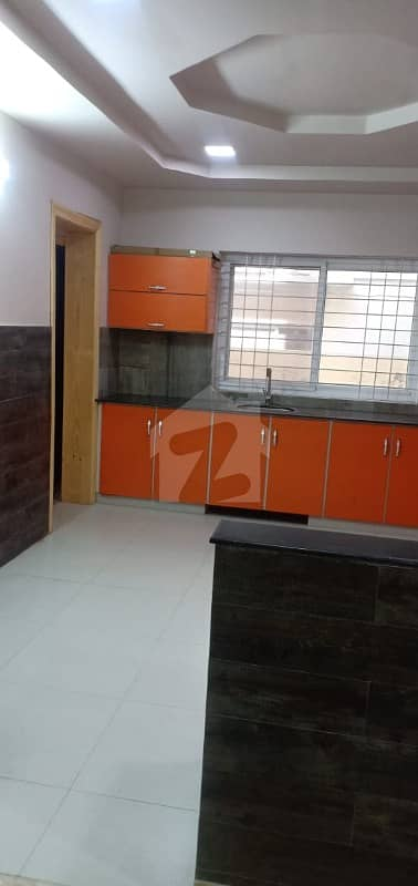 1 Kanal House Avaialable For Rent