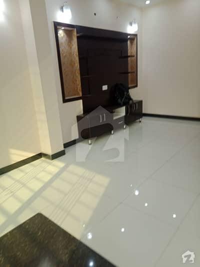 بحریہ ٹاؤن رفیع بلاک بحریہ ٹاؤن سیکٹر ای بحریہ ٹاؤن لاہور میں 3 کمروں کا 5 مرلہ مکان 1.2 کروڑ میں برائے فروخت۔