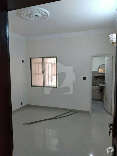 3 Bed Dd Flat Available For Sale At ShahraeQaideen