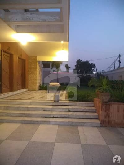 1200 Yards Bungalow For Rent Best For Office Use At Shaheed E Millat Road