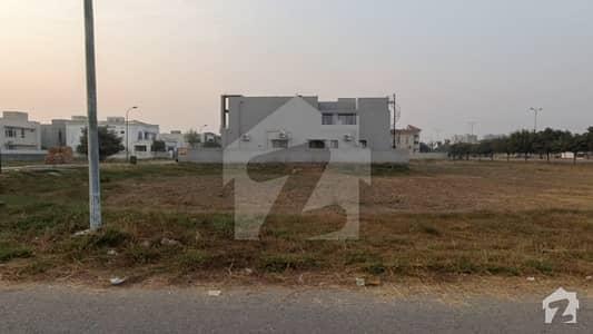ڈی ایچ اے فیز 6 - بلاک جے فیز 6 ڈیفنس (ڈی ایچ اے) لاہور میں 2 کنال رہائشی پلاٹ 12.1 کروڑ میں برائے فروخت۔