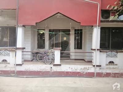 جی ۔ 15/4 جی ۔ 15 اسلام آباد میں 3 کمروں کا 9 مرلہ فلیٹ 80 لاکھ میں برائے فروخت۔
