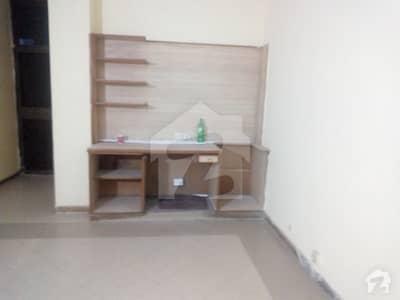ماڈل ٹاؤن ۔ بلاک ایم ماڈل ٹاؤن لاہور میں 2 کمروں کا 5 مرلہ فلیٹ 32 ہزار میں کرایہ پر دستیاب ہے۔