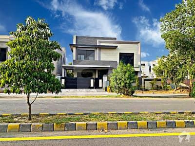 ڈی ایچ اے فیز 5 ڈیفنس (ڈی ایچ اے) لاہور میں 5 کمروں کا 1 کنال مکان 7.5 کروڑ میں برائے فروخت۔