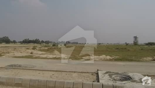 1 Kanal Pair Hot Location Facing To Golf Course And All Dues Clear Plot No 297298