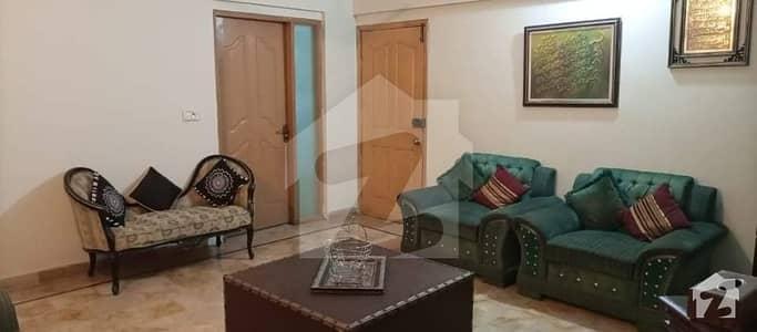 سحر کمرشل ایریا ڈی ایچ اے فیز 7 ڈی ایچ اے کراچی میں 3 کمروں کا 8 مرلہ فلیٹ 1.75 کروڑ میں برائے فروخت۔