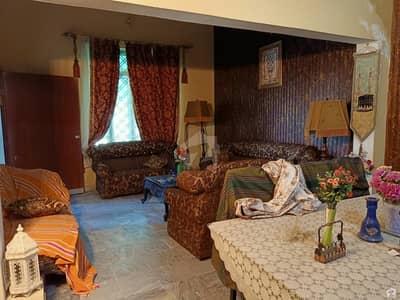 شادمان کالونی گجرات میں 3 کمروں کا 10 مرلہ مکان 1.4 کروڑ میں برائے فروخت۔