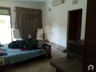 I-8 On Investor Price 600 Sq. Yards Double Storey Livable House For Sale