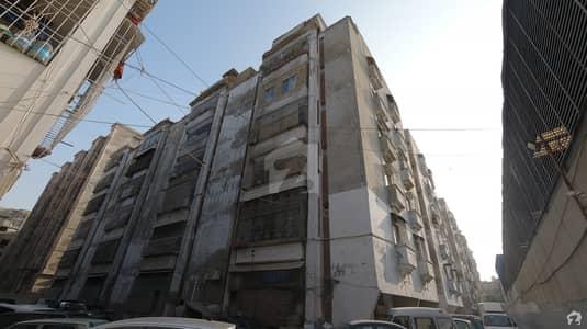 گلستانِِ جوہر ۔ بلاک 20 گلستانِ جوہر کراچی میں 2 کمروں کا 5 مرلہ فلیٹ 60 لاکھ میں برائے فروخت۔