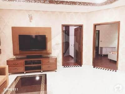 بحریہ ٹاؤن قائد بلاک بحریہ ٹاؤن سیکٹر ای بحریہ ٹاؤن لاہور میں 5 کمروں کا 10 مرلہ مکان 2.1 کروڑ میں برائے فروخت۔