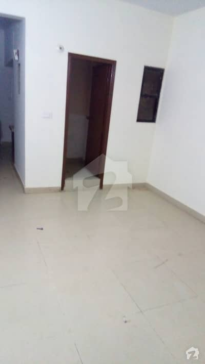 200 Yards Ground Floor For Rent