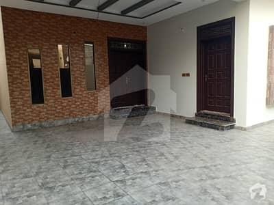 رائل آرچرڈ ملتان پبلک سکول روڈ ملتان میں 4 کمروں کا 6 مرلہ مکان 35 ہزار میں کرایہ پر دستیاب ہے۔