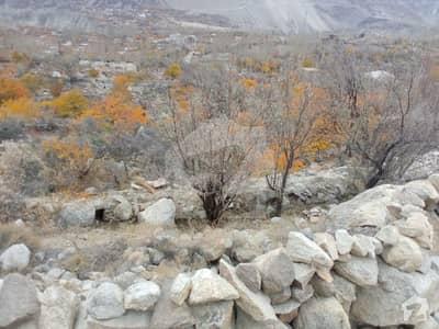 علی آباد ہنزہ میں 5 کنال رہائشی پلاٹ 2.75 کروڑ میں برائے فروخت۔