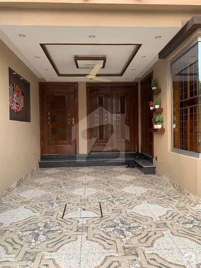 بحریہ ٹاؤن سیکٹر ای بحریہ ٹاؤن لاہور میں 3 کمروں کا 5 مرلہ مکان 1.3 کروڑ میں برائے فروخت۔