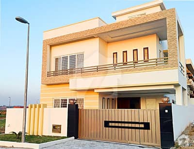 Brand New Double Unit 10 Marla House For Rent 5 Bed