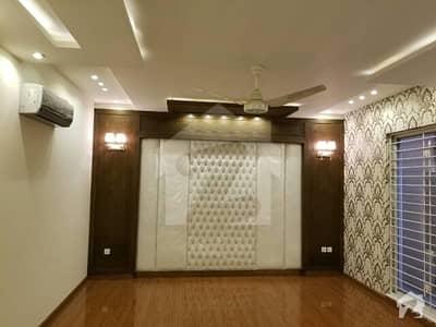 ڈی ایچ اے ڈیفینس فیز 1 ڈی ایچ اے ڈیفینس اسلام آباد میں 5 کمروں کا 1 کنال مکان 6 کروڑ میں برائے فروخت۔