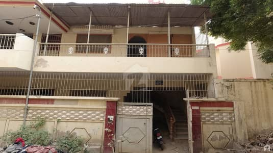 Gulistan-E-Jauhar House Sized 1800  Square Feet Is Available