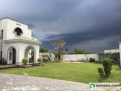 4 Kanal Brand New Fully Furnished Spanish Elegant Designer Farm House For Sale