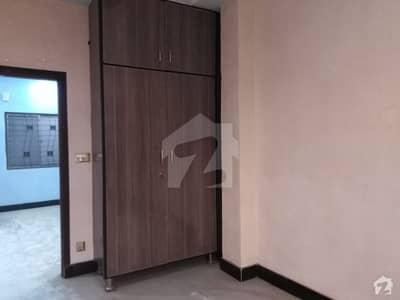 گلشنِ راوی لاہور میں 5 کمروں کا 10 مرلہ مکان 90 ہزار میں کرایہ پر دستیاب ہے۔