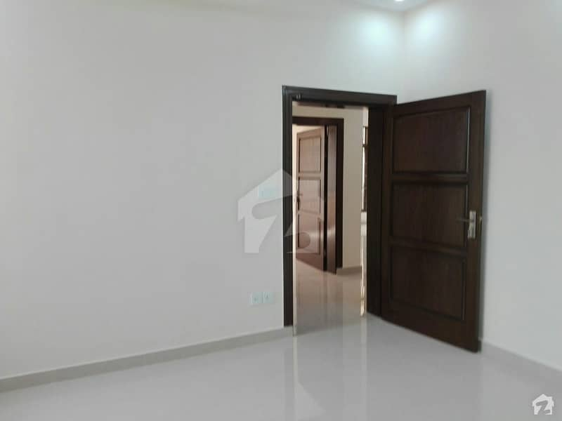 Centrally Located Upper Portion In Pakistan Town Is Available For Rent