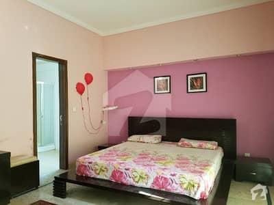 0ne Bed Room TV  Kitchen Full Furnished Bed  Owen Nd Mahcin