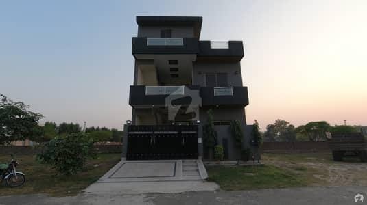 نیسپاک سکیم فیز 3 ڈیفینس روڈ لاہور میں 4 کمروں کا 5 مرلہ مکان 1 کروڑ میں برائے فروخت۔