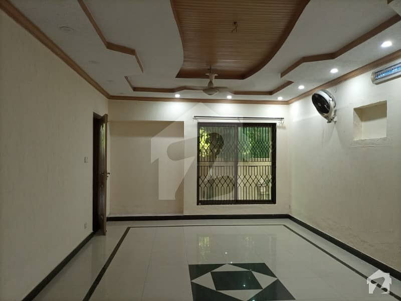 10-marla, 2-bedroom's House For Rent In Askari-9 Lahore Cantt.