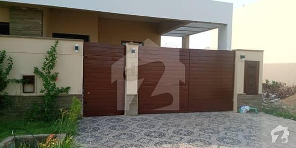 بحریہ ٹاؤن - پریسنٹ 1 بحریہ ٹاؤن کراچی کراچی میں 5 کمروں کا 10 مرلہ مکان 1.3 لاکھ میں کرایہ پر دستیاب ہے۔
