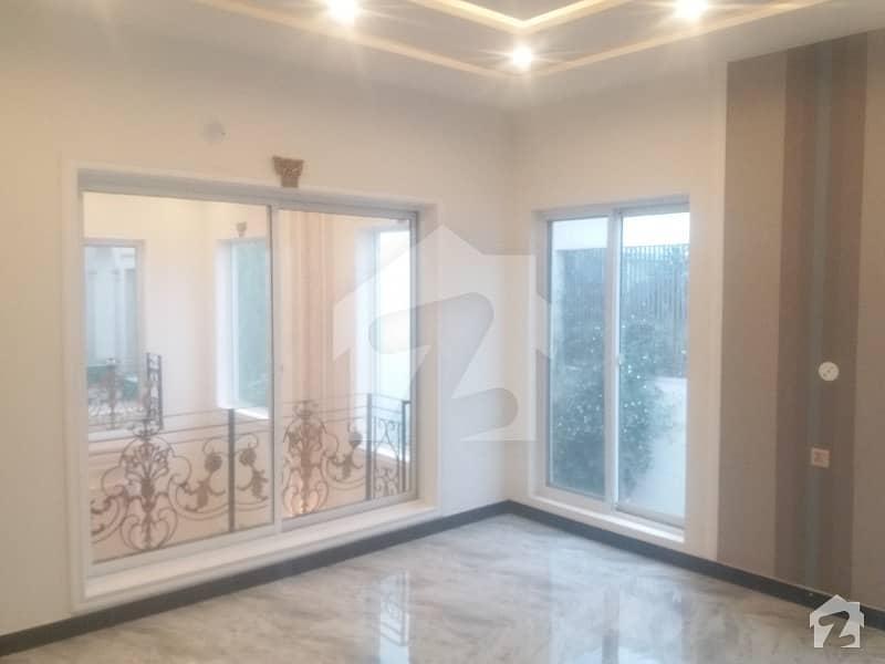 اسٹیٹ لائف ہاؤسنگ فیز 1 اسٹیٹ لائف ہاؤسنگ سوسائٹی لاہور میں 5 کمروں کا 1 کنال مکان 3.75 کروڑ میں برائے فروخت۔