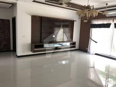 اسٹیٹ لائف ہاؤسنگ فیز 1 اسٹیٹ لائف ہاؤسنگ سوسائٹی لاہور میں 5 کمروں کا 1 کنال مکان 4.5 کروڑ میں برائے فروخت۔