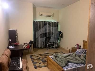 نشیمنِ اقبال فیز 1 نشیمنِ اقبال لاہور میں 6 کمروں کا 1 کنال مکان 2.9 کروڑ میں برائے فروخت۔