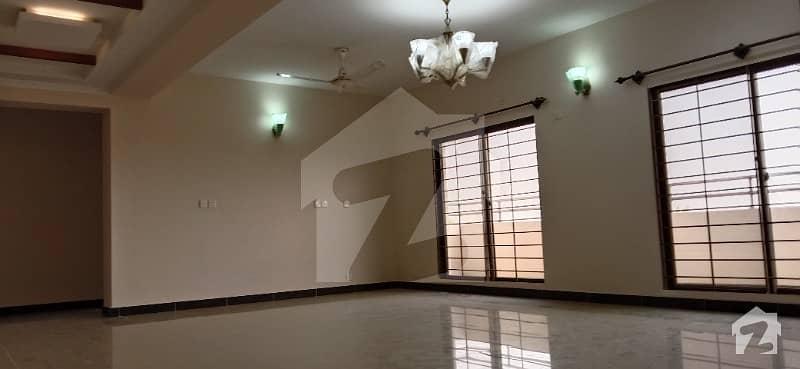 عسکری 5 ملیر کنٹونمنٹ کینٹ کراچی میں 3 کمروں کا 10 مرلہ فلیٹ 64 ہزار میں کرایہ پر دستیاب ہے۔