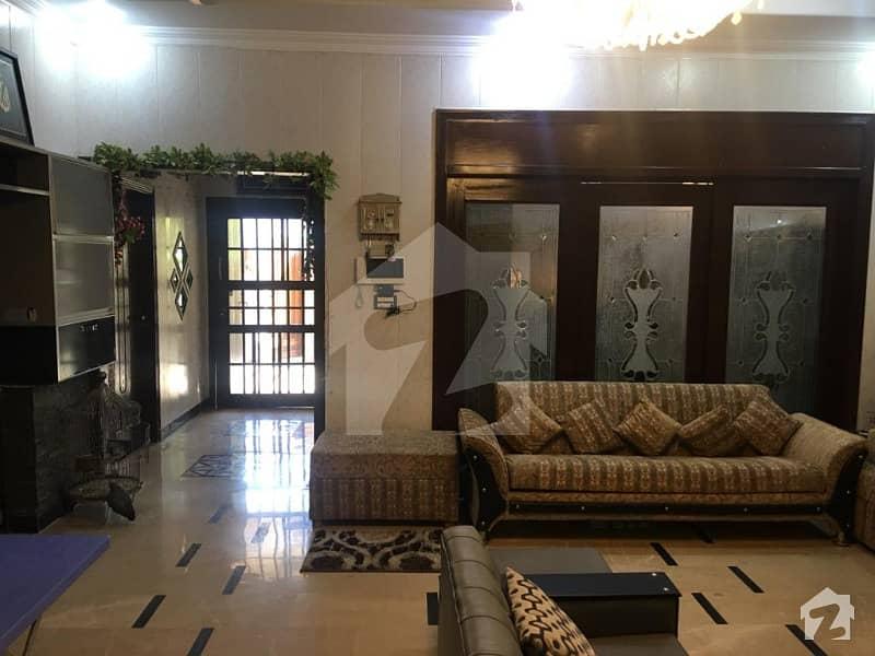 بحریہ آرچرڈ لاہور میں 4 کمروں کا 10 مرلہ مکان 2.2 کروڑ میں برائے فروخت۔
