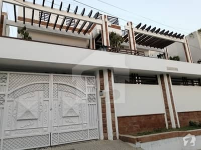 400 Sq yd Luxury Bungalow For Sale
