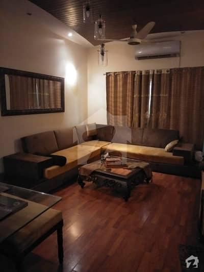ڈی ایچ اے فیز 8 - بلاک ایم ڈی ایچ اے فیز 8 ڈیفنس (ڈی ایچ اے) لاہور میں 3 کمروں کا 10 مرلہ مکان 2.35 کروڑ میں برائے فروخت۔