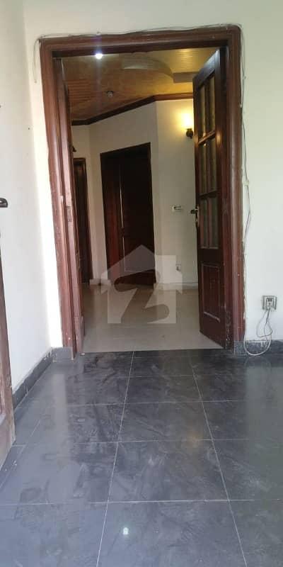 بحریہ ٹاؤن عمر بلاک بحریہ ٹاؤن سیکٹر B بحریہ ٹاؤن لاہور میں 5 کمروں کا 8 مرلہ مکان 1.5 کروڑ میں برائے فروخت۔
