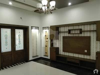 واپڈا ٹاؤن فیز 1 - بلاک ای2 واپڈا ٹاؤن فیز 1 واپڈا ٹاؤن لاہور میں 5 کمروں کا 10 مرلہ مکان 2.85 کروڑ میں برائے فروخت۔