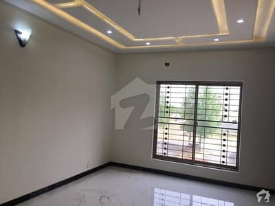 In DHA Defence 1 Kanal House For Sale