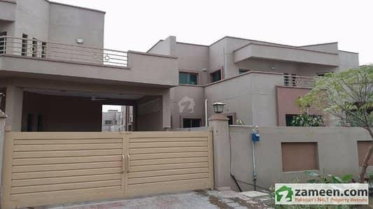 1 Kanal  Brigadier House 4 Bedrooms for sale in  Askari 11 Lahore