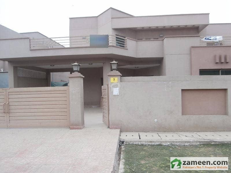 عسکری 11 عسکری لاہور میں 4 کمروں کا 1 کنال مکان 4 کروڑ میں برائے فروخت۔