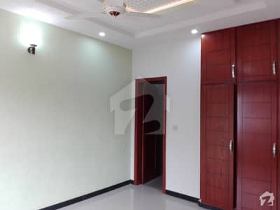 In Bahria Town 10 Marla House For Rent