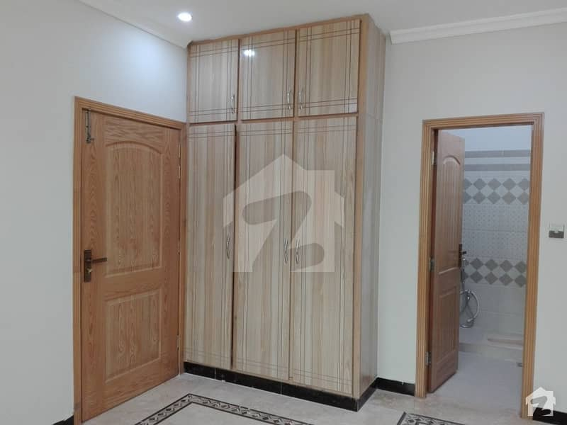 10 Marla House Up For Rent In Bahria Town