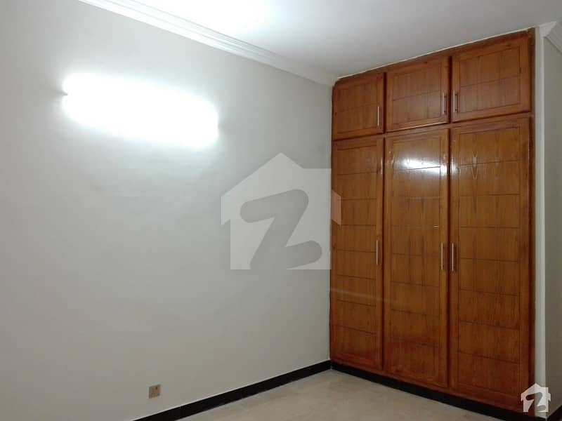 10 Marla House In Bahria Town For Rent At Good Location