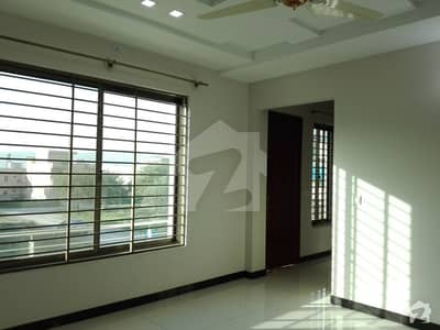 8 Marla House In Central Bahria Town For Rent